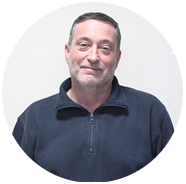 Massimo Valori, capo reparto lavorazione acciaio per la realizzazione dell'arredamento bar, ristoranti, gelaterie a Grosseto