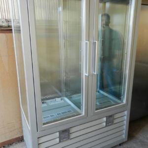 Fedeli Commerciale_vetrina frigo per pasticceria